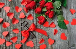 Hearts & Flowers Type